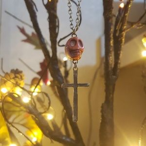 Skull and cross halloween necklace